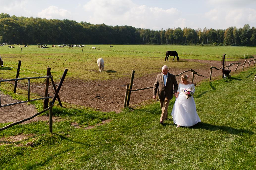 DIY WEDDING | BUITEN TROUWEN | FOTOGRAAF ZWOLLE-104